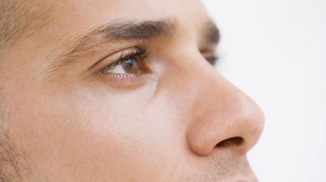 Das Bild zeigt die Augen eines Mannes.