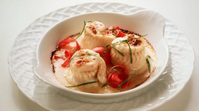 Teller mit gekochter Seezunge