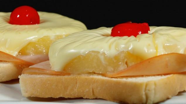 Das Bild zeigt einen Toast Hawai.