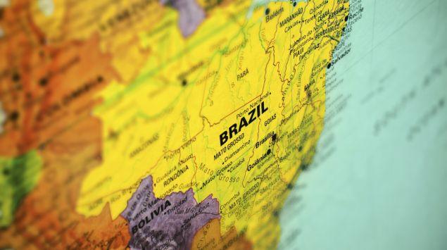Man sieht Brasilien auf einem Ausschnitt einer Landkarte.