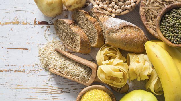 Verschiedene kohlenhydratreiche Lebensmittel