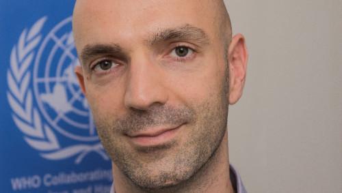 Virologe Prof. Dr. Jonas Schmidt-Chanasit