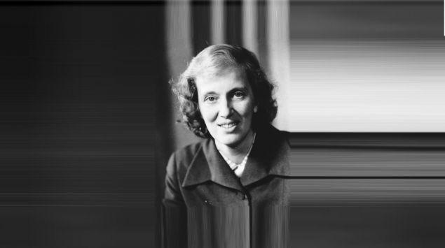 Man sieht eine Aufnahme von Dorothy Crowfoot Hodgkin.