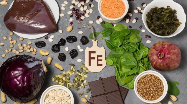 Eisen: Woran man einen Mangel erkennt und in welchen Lebensmitteln