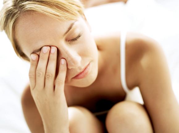 8 remedios para curar la abrasión de la córnea
