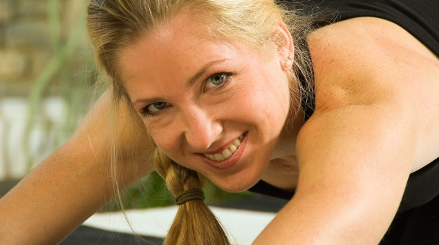 Eine junge Frau beim Sport.