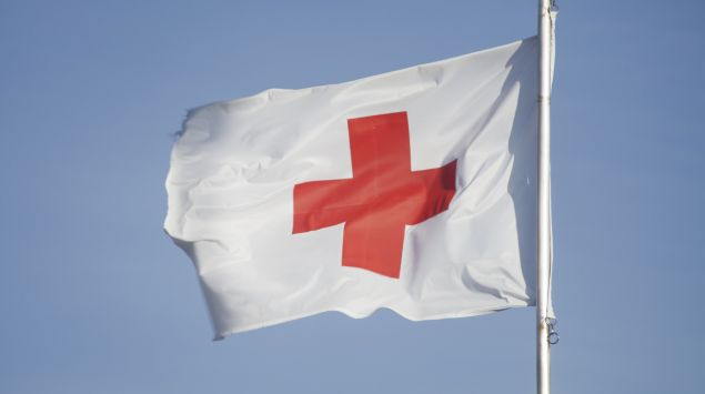 Flagge: Ein rotes Kreuz auf weißem Grund