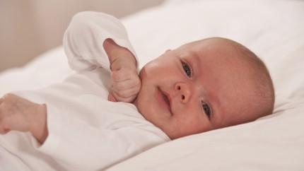 Nouveau-né : habiller bébé