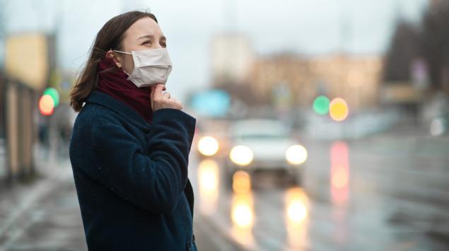 Ein Mundschutz bietet keinen sicheren Schutz vor Coronaviren. Zudem muss man einiges bei der Anwendung beachten.