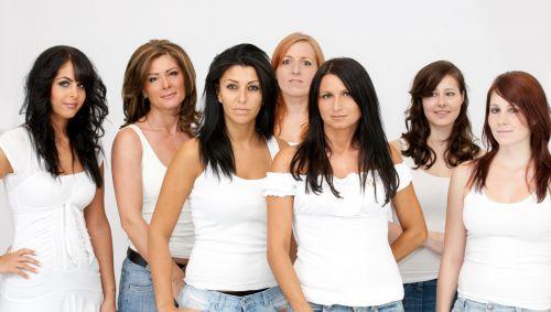 Eine Gruppe junger Frauen.