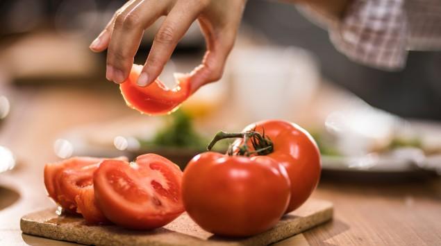 Man sieht Tomaten.