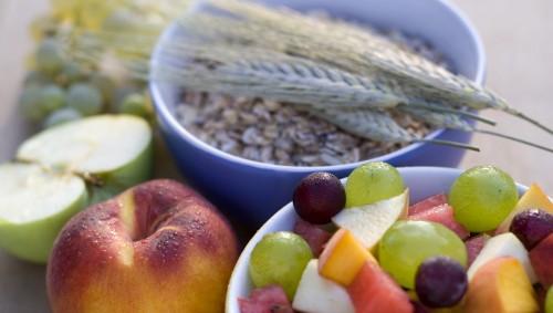 Gesunde ballaststoffreiche Lebensmittel.