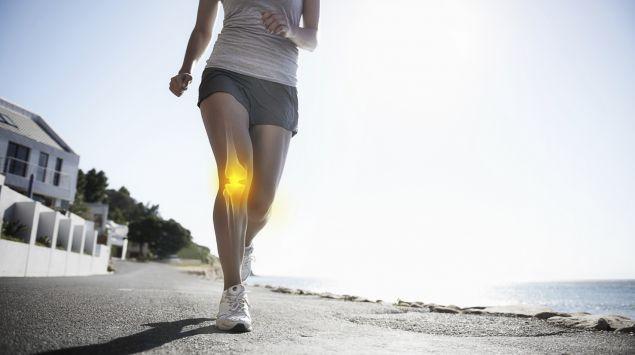 Das Bild zeit eine Läuferin, deren Knie grafisch hervorgehoben ist.