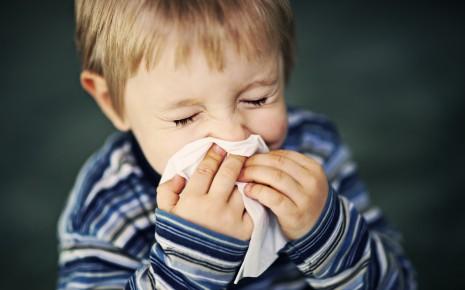 Typisch für eine Erkältung: Schnupfen.