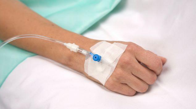 Das Bild zeigt den Schlauch eines Katheters.