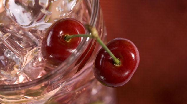Kirschen in einem Glas.