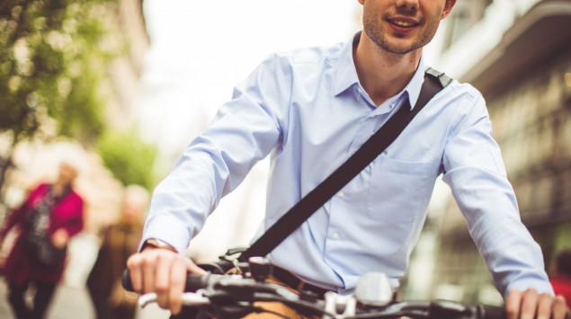 Mit dem Fahrrad zur Arbeit zu fahren ist gut fürs Herz.