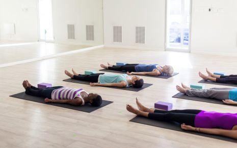 Kann Spannungskopfschmerzen vorbeugen: regelmäßige Entspannung.