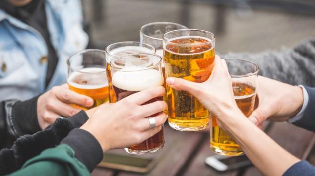 Bier kann gennauso schädlich sein wie harter Alkohol.