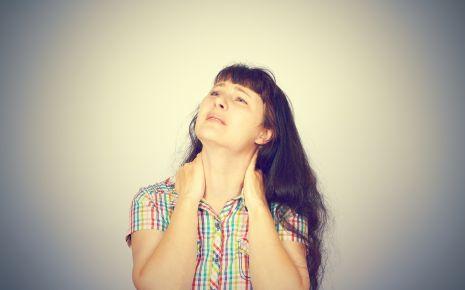 Andauernde Schmerzen ermüden: Eine Fibromyalgie wird häufig von Depressionen begleitet.