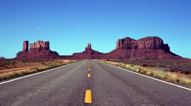 Das Bild zeigt eine Straße in den USA.