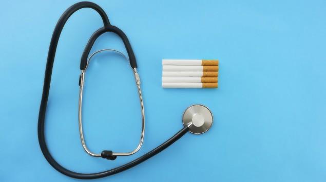 Stethoskop mit Zigaretten