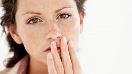 Eingerissene Mundwinkel – was hilft?