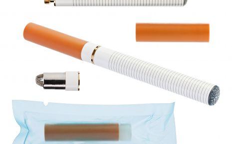 Das Bild zeigt Zubehör einer E-Zigarette.