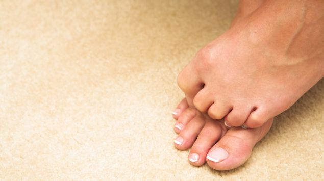 Das Bild zeigt Füße.