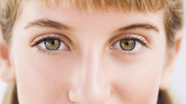 Das Bild zeigt die Augen einer Frau.