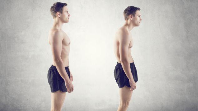 Das Bild zeigt einen Mann in aufrechter Haltung sowie mit einem leichten Rundrücken.