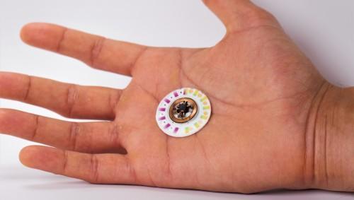 Das Bild zeigt den Schweiß-Tracker des Wissenschaftlers Dr. John Rogers.