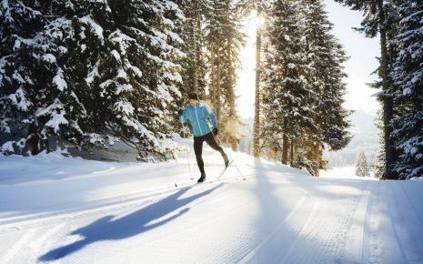 Multiple Sklerose: Man sieht einen Mann beim Skilanglauf.