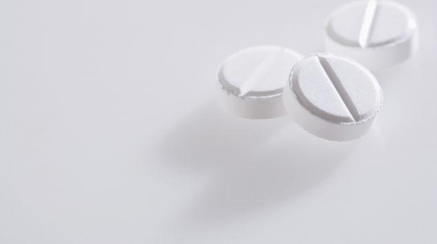 drei weiße Pillen