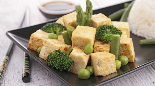 Tofuwürfel mit Gemüse