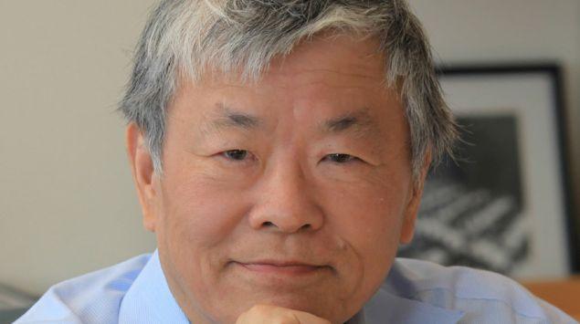Ein Porträt von Susumu Tonegawa.