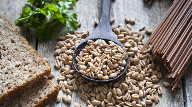 Vollkorn und Produkte wie Nudeln und Brot